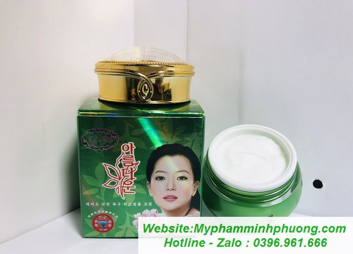 Bo-tri-nam-duong-trang-da-hoa-nhai-han-quoc-2in1-720x519